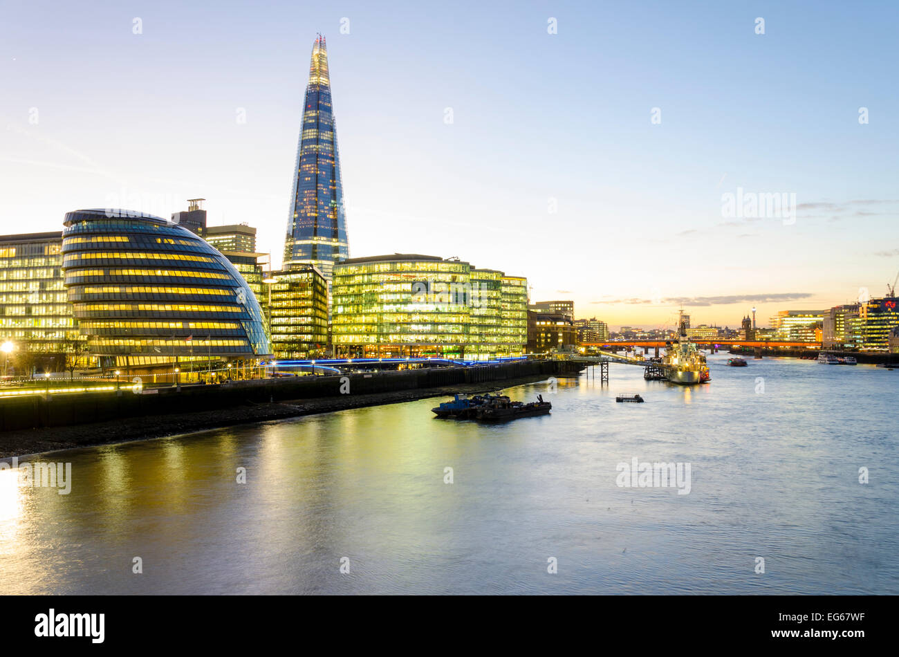 London, UK 17th February 2015: A clear evening sky over the capital will mean that overnight temperatures could - Stock Image