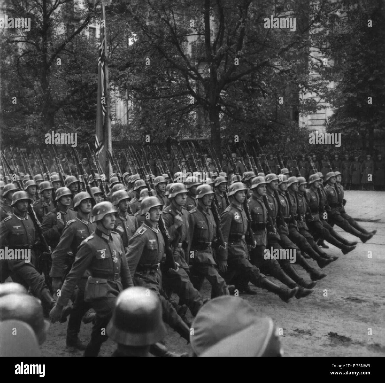 Goose-stepping German troops in a Victory parade through Warsaw, Poland. Sept. 1939. World War 2. (BSLOC_2014_10 - Stock Image