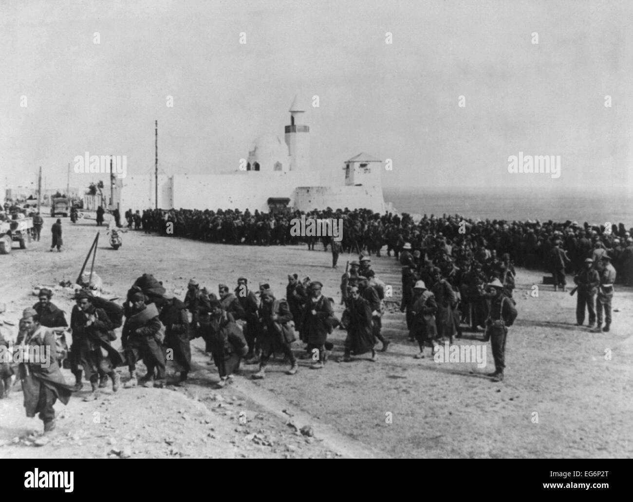 German and Italian prisoners captured by the British in Bardia, Libya. They also rescued British and New Zealand - Stock Image
