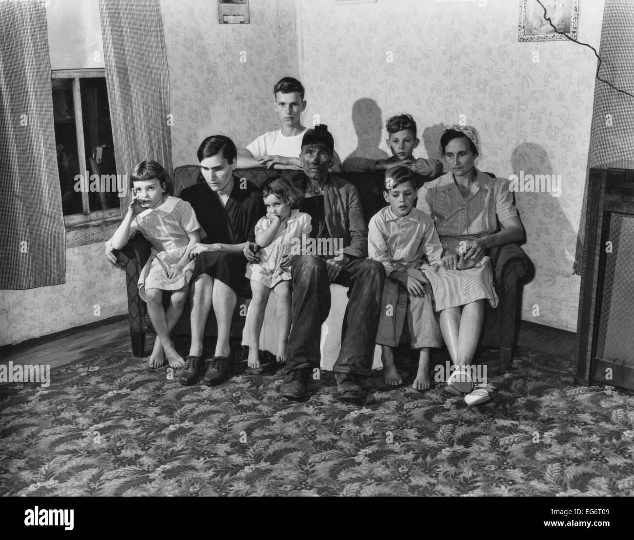 Woman Children 1940s Stock Photos & Woman Children 1940s ...