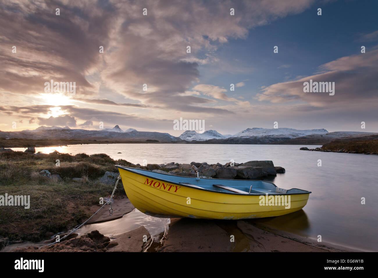 Loch Osgaig, Coigach, Inverpolly Nature Reserve, Scotland. - Stock Image