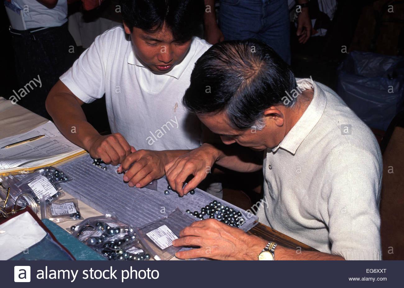 Selection and choice of black pearls, Tahiti, French Polynesia - Stock Image