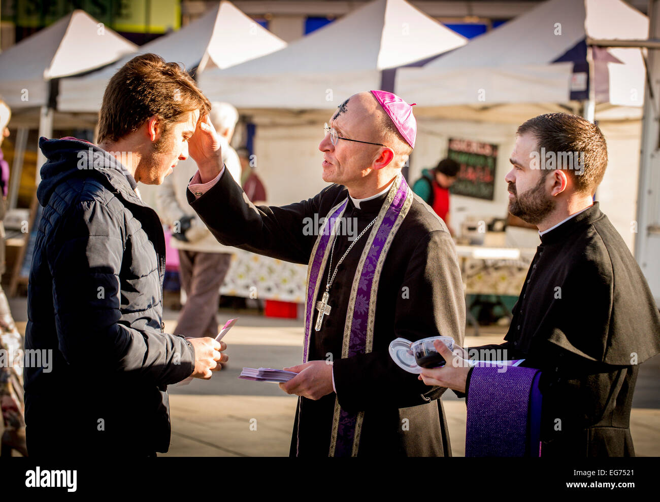 Brighton, UK. 18th February, 2015. The Bishop of Chichester and a team from the Diocese of Chichester were in Brighton - Stock Image