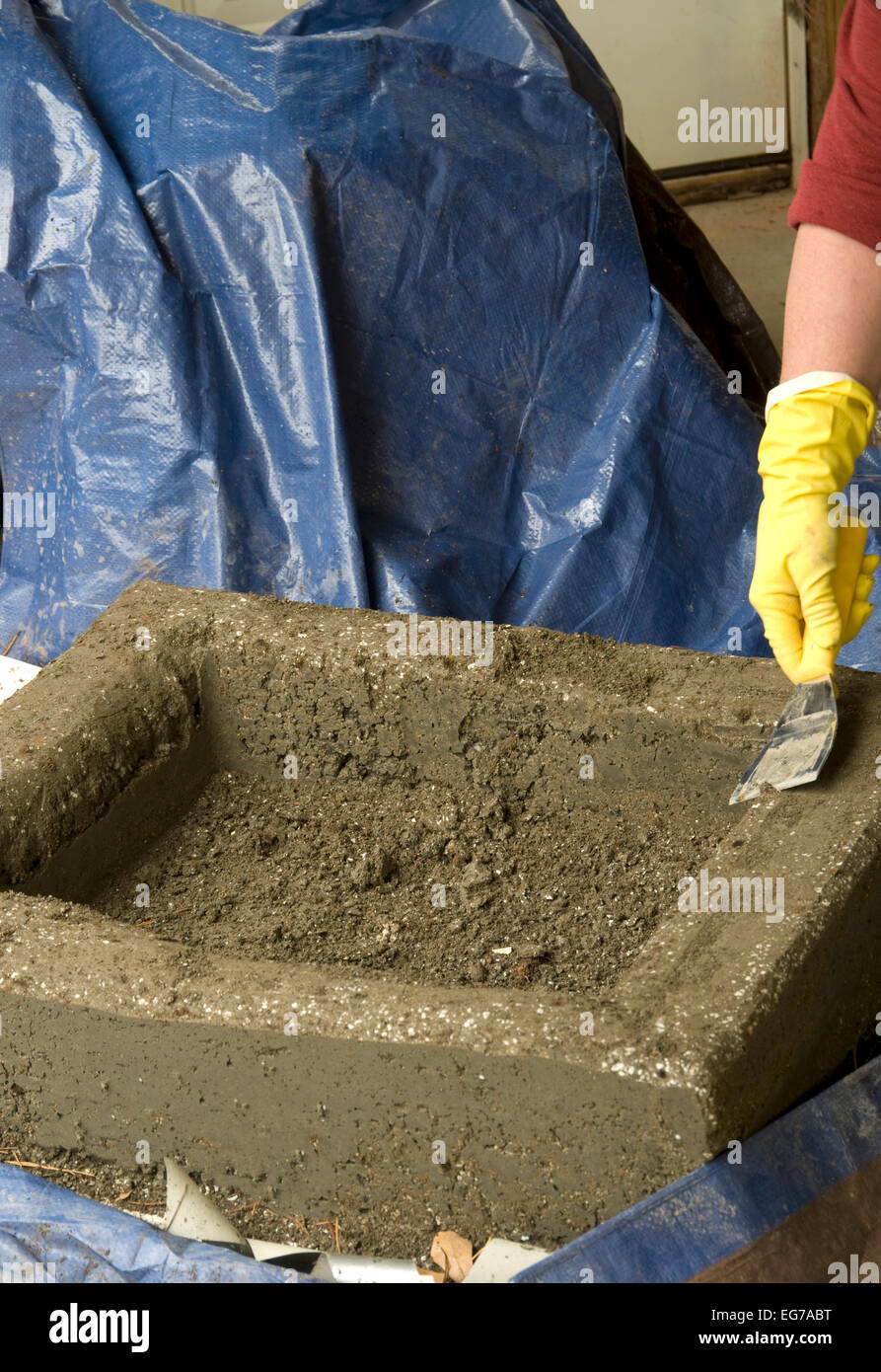 Hypertufa, step by step,   how to instructions - Stock Image