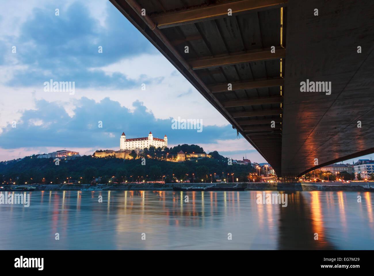 Bratislava castle and New bridge at dusk, Slovakia - Stock Image