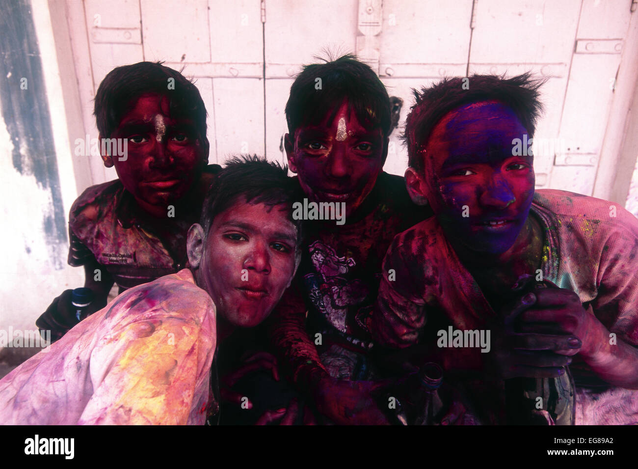Youths enjoying religious Holi festival in India - Stock Image