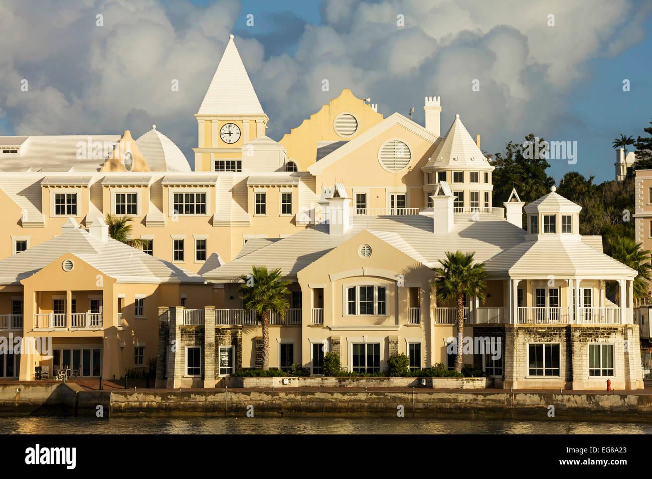 Condo development along the shores of Hamilton Harbour, Bermuda. - Stock Image