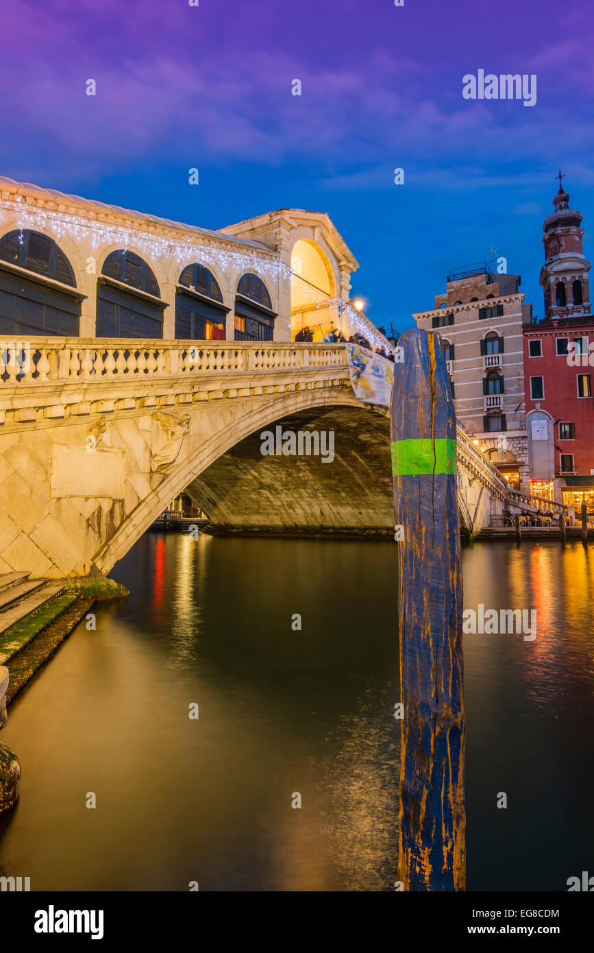 Rialto Bridge at dusk, Venice, Veneto, Italy - Stock Image