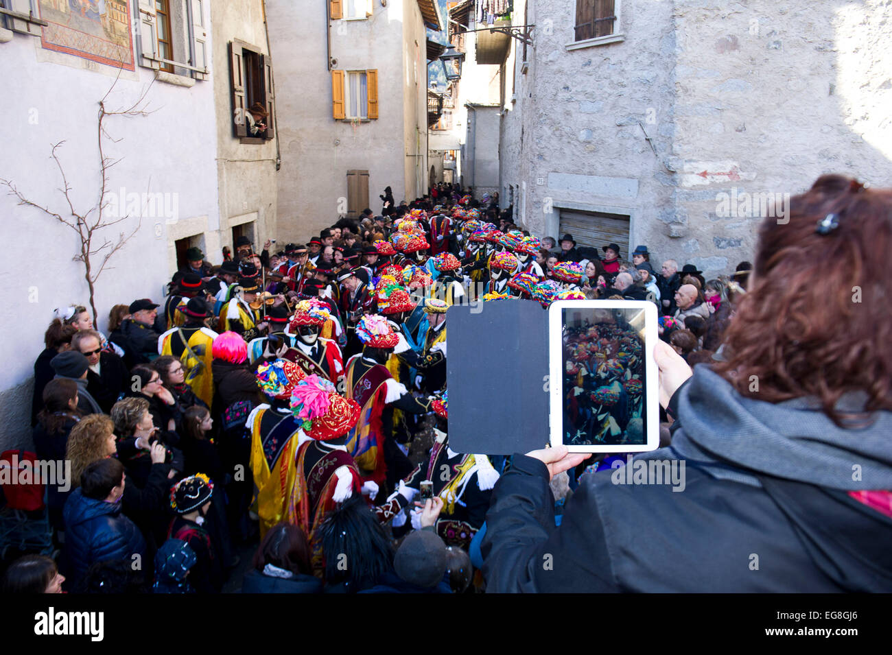 Italy, Lombardy, Bagolino, Carnival of Bagolino. The masks dating back to the sixteenth century dance on the streets. - Stock Image
