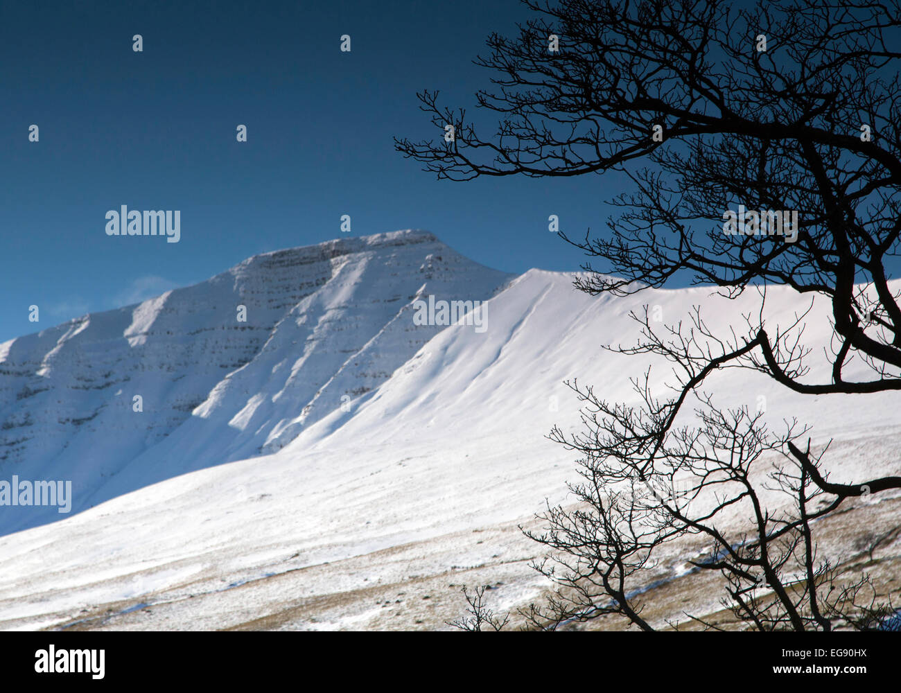 Snow clad Pen Y Fan, in the Brecon Beacons mountains in south Wales. - Stock Image