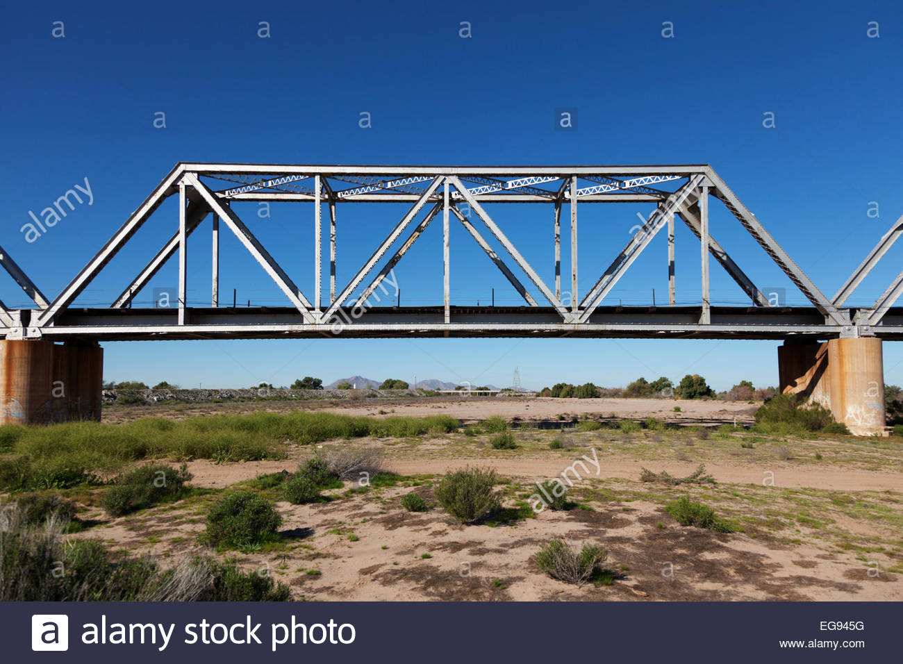 railroad bridge union pacific warren through truss bridge over