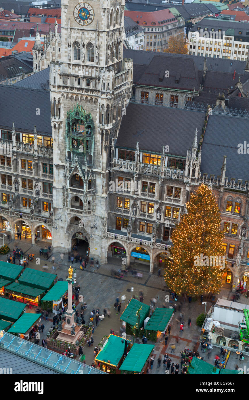 Overview of the Christmas Market in Marienplatz and the New Town Hall, Munich, Germany Stock Photo