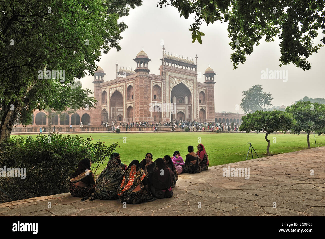 The main gateway (darwaza) is a monumental structure built primarily of marble which is reminiscent of Mughal architecture - Stock Image