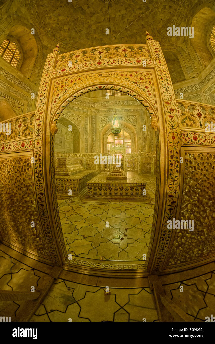 The burial chamber is located right beneath the central chamber and consists of the actual graves of Mumtaz Mahal - Stock Image