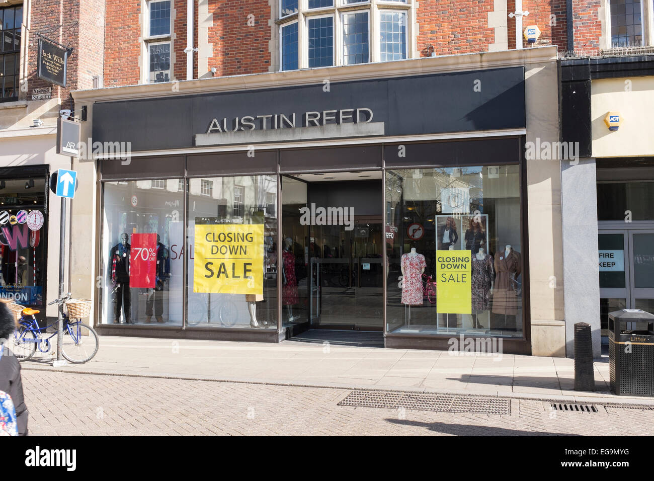 Austin Reed And Country Casuals Shop Closing Down Sale Sidney Street Stock Photo Alamy