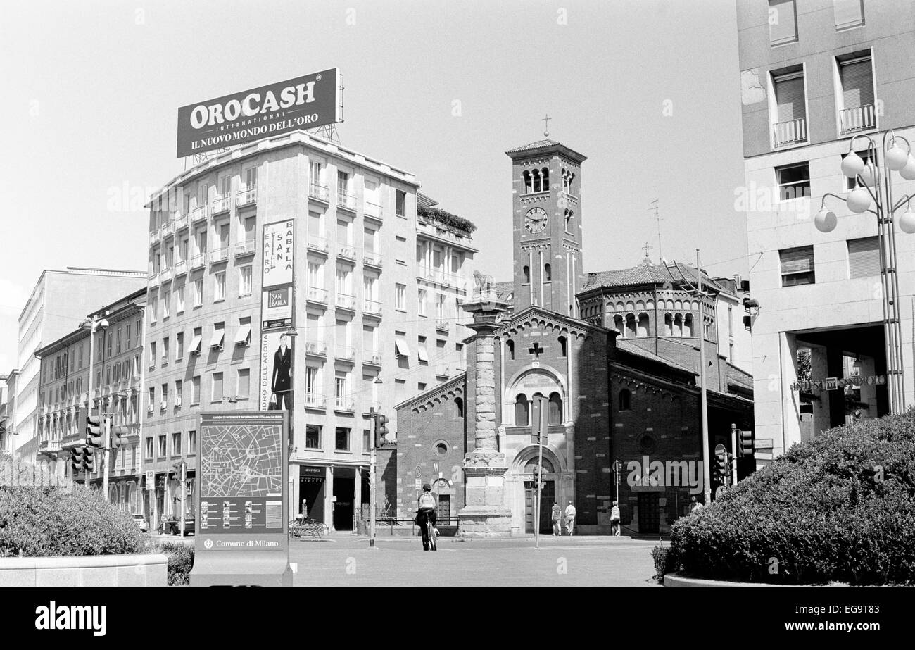 Milano, San Babila Square during Ferragosto holiday - Stock Image