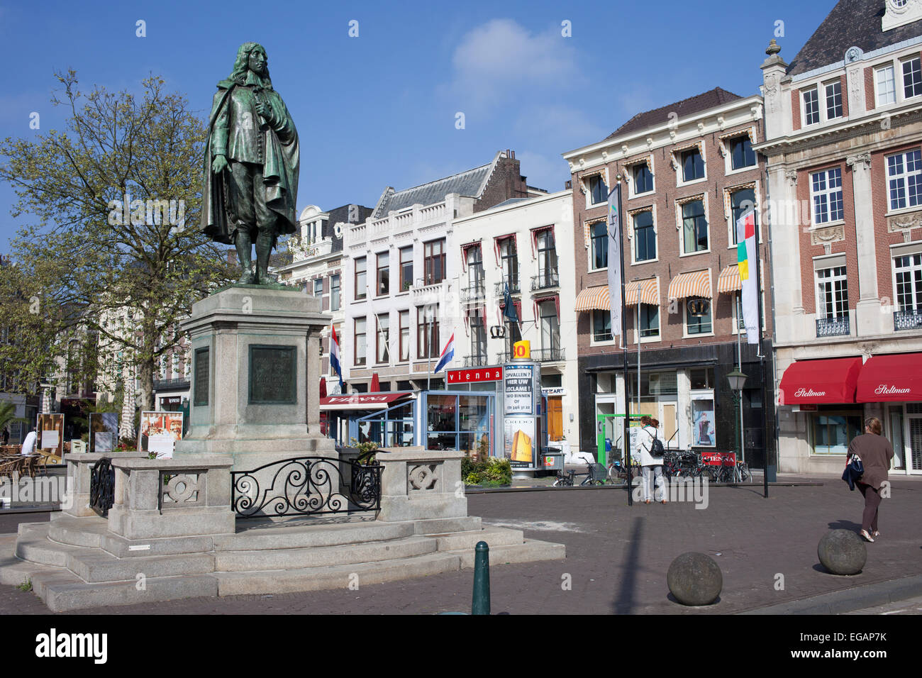 Statue of Johan de Witt (1625-1672) on The Square (De Plaats), city of Hague, Holland, Netherlands. - Stock Image