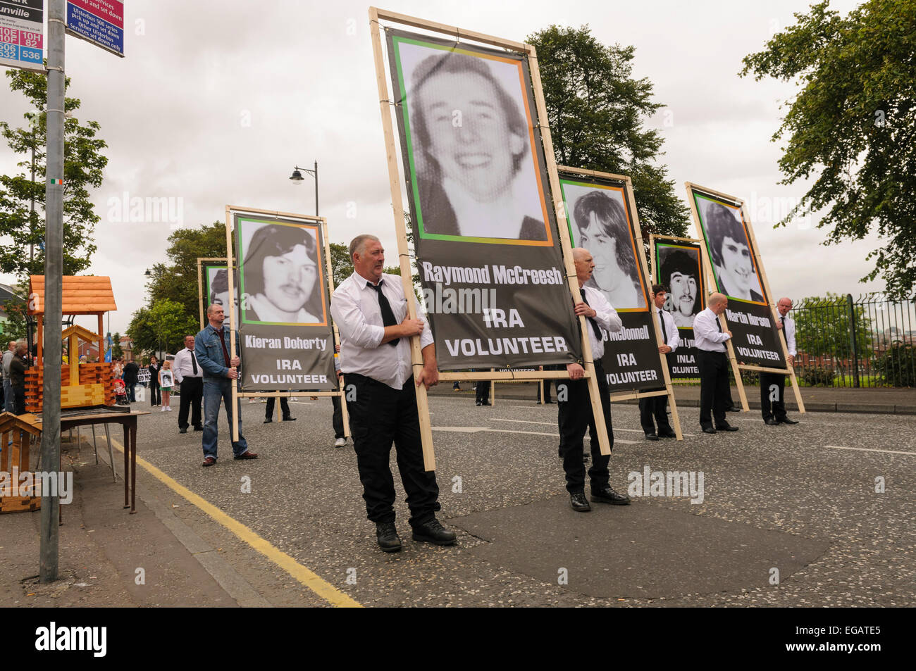 Dissident Republicans commemorate the 1981 Hunger Strikes with a picture of Raymond McCreesh - Stock Image