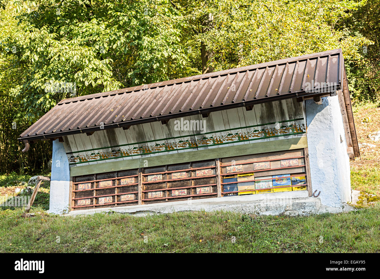 Traditional painted beehive building, Tolmin, Slovenia - Stock Image