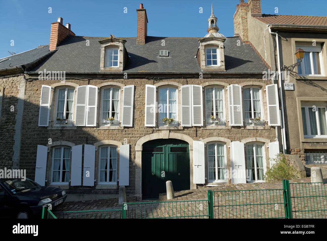 Typical French house near the Château de Boulogne-sur-Mer - Stock Image