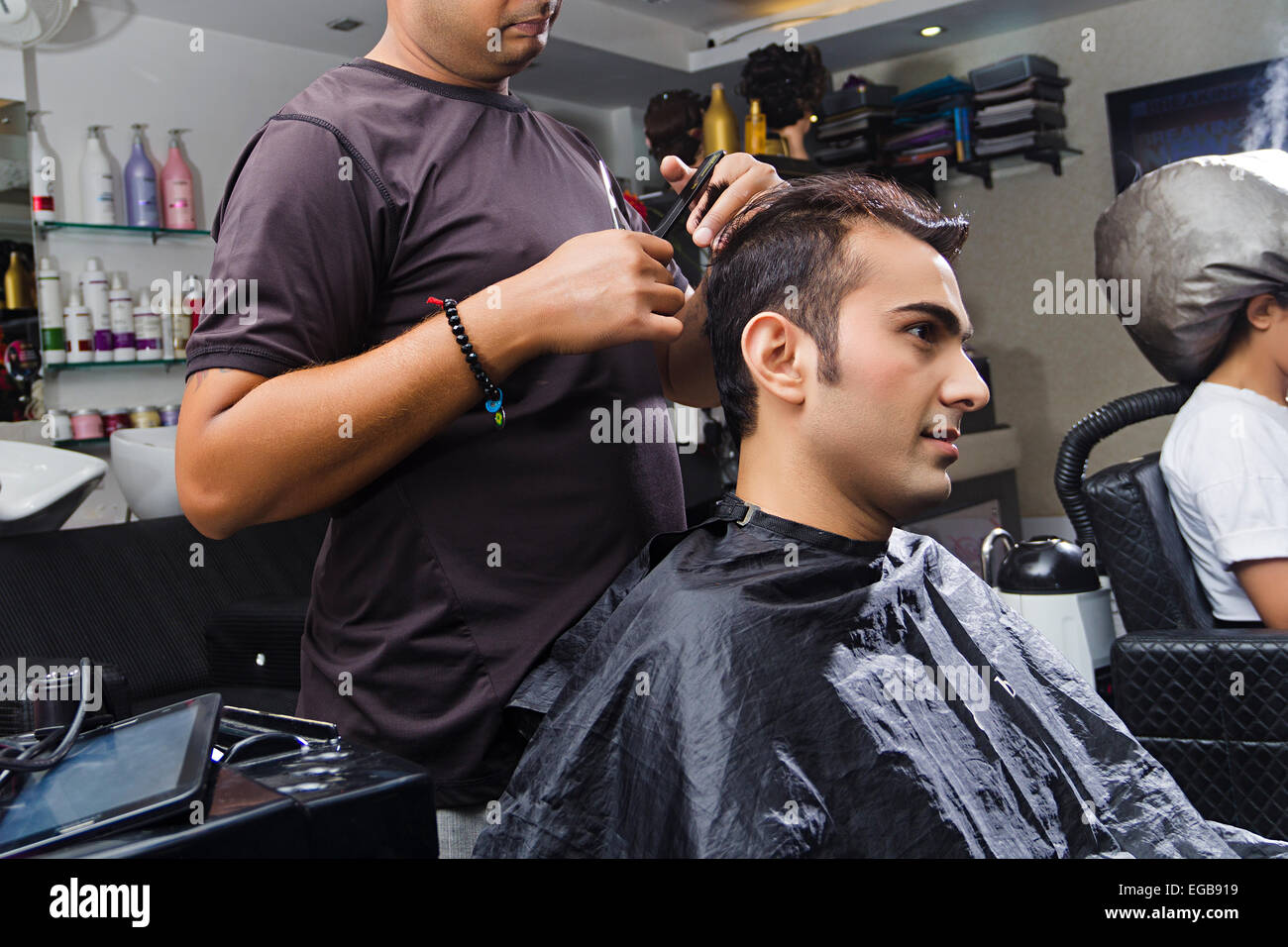 12 indian people Hairdresser Cutting Saloon Stock Photo - Alamy