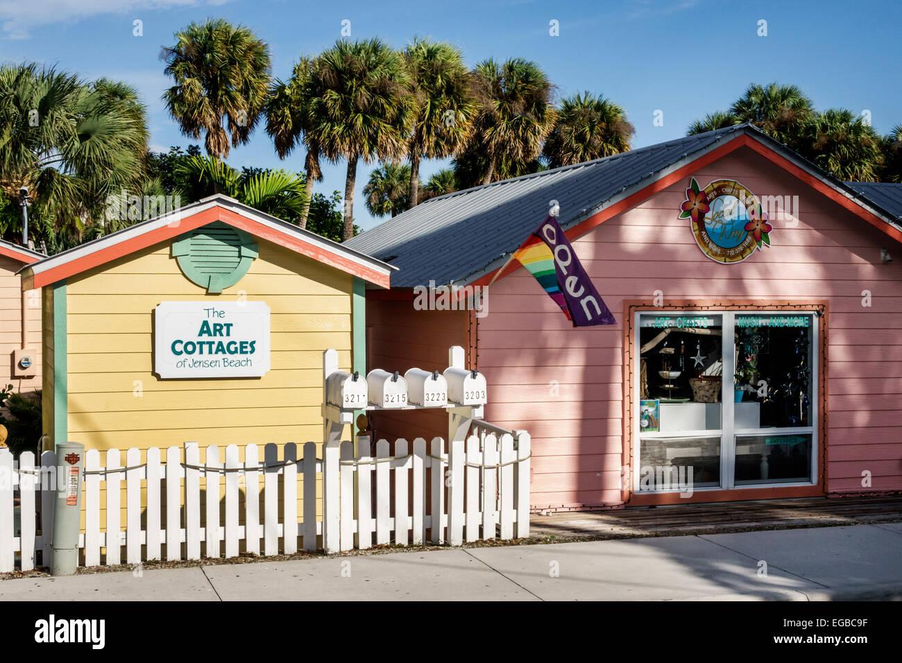 florida jensen beach jensen beach boulevard art cottages local way rh alamy com jensen beach cottages for sale Downtown Jensen Beach