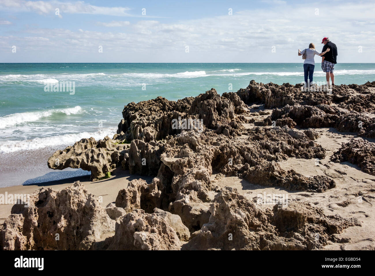 Stuart Florida Hutchinson Island Ross Witham Beach Atlantic Ocean Anastasia geologic formation interbedded sands - Stock Image