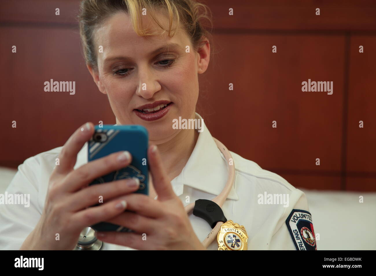 EMT texting - Stock Image