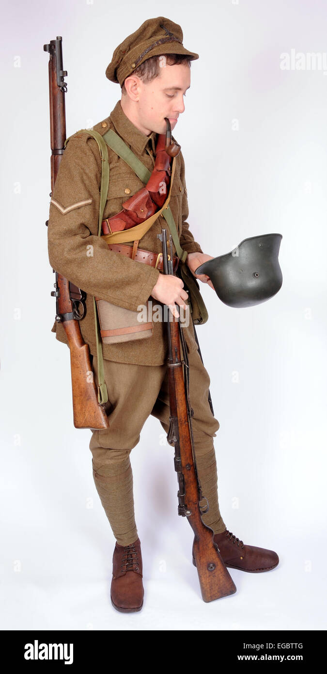 A Great War uniform as worn by British soldiers fighting in the trenches 1914-1918. SEE DESCRIPTION - Stock Image