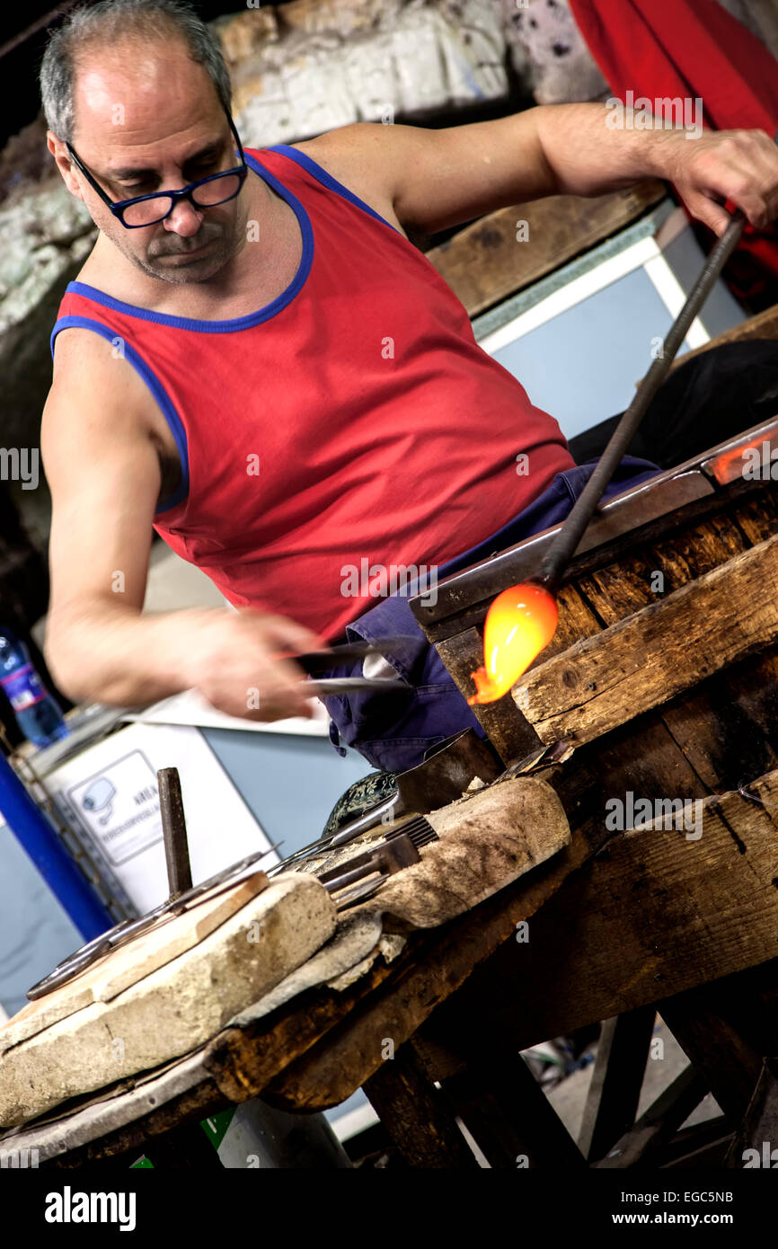 Glass blower, Island of Murano, Venice, Italy - Stock Image