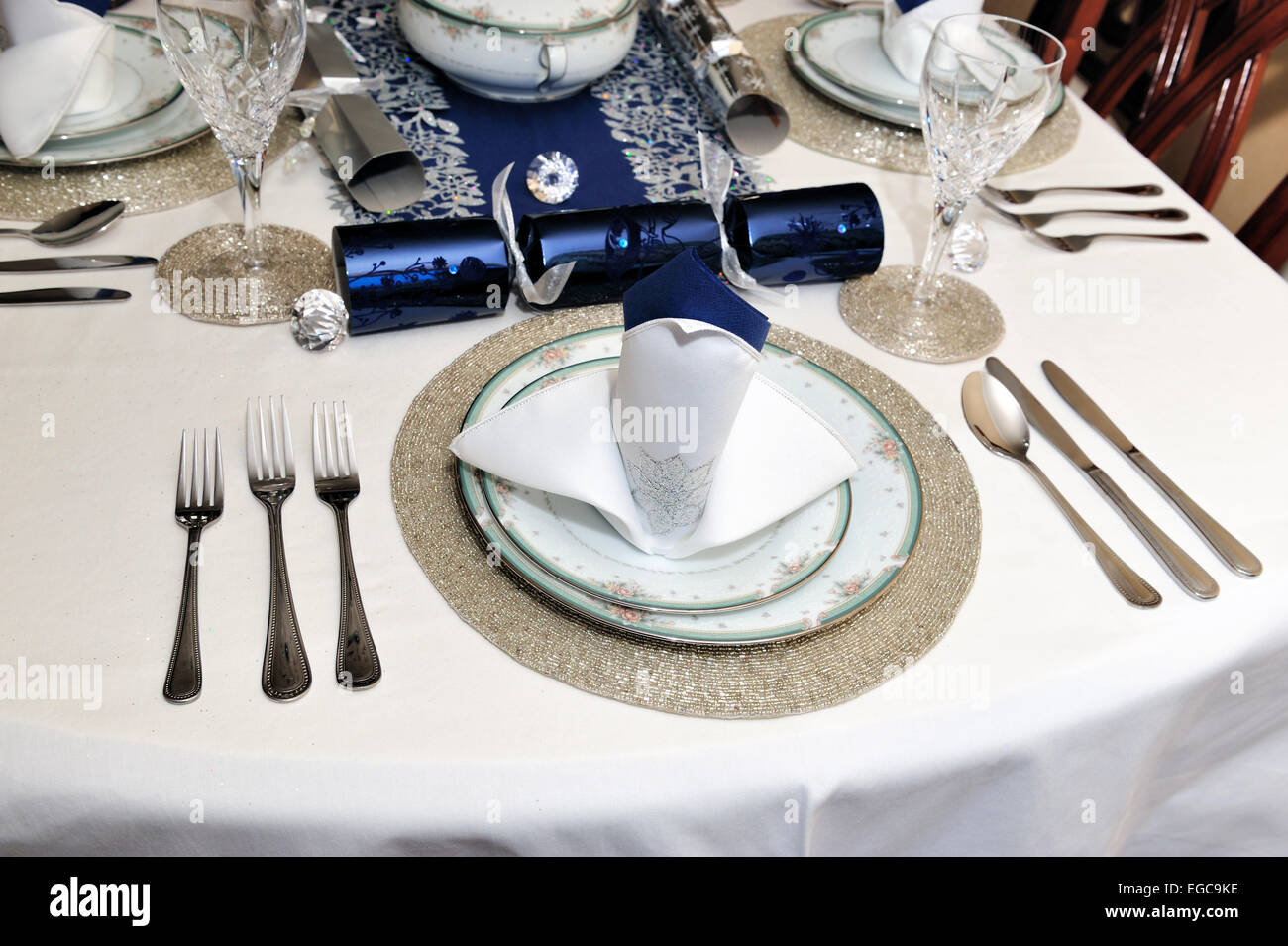 Christmas lunch dinner table setting : table setting for lunch - pezcame.com
