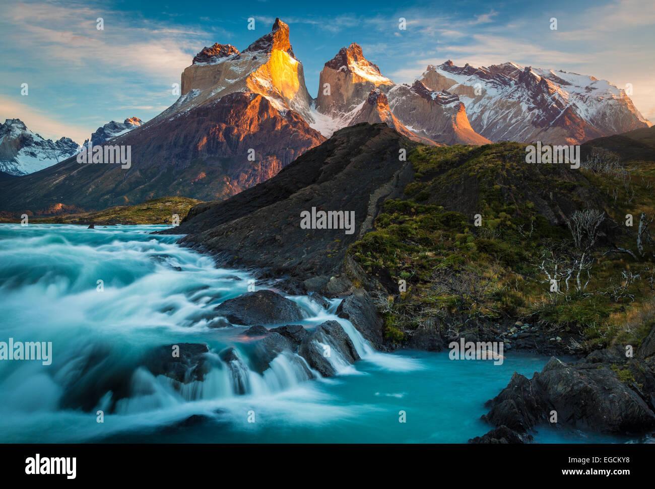 Los Cuernos towering above Salto Grande and Lago Nordenskjold, Torres del Paine, Chilean Patagonia - Stock Image