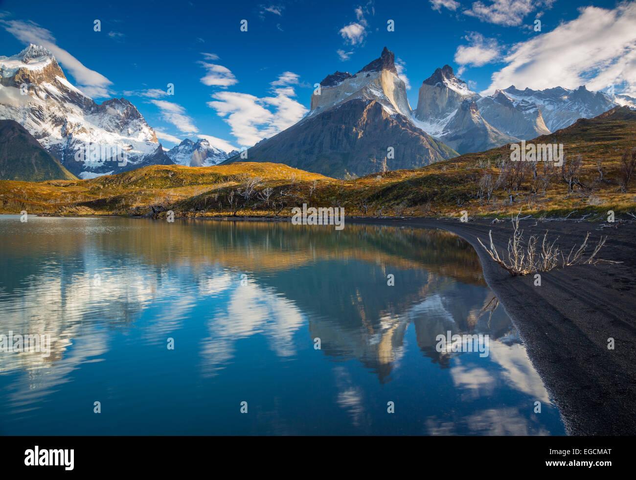 Los Cuernos towering above Lago Nordenskjold, Torres del Paine, Chilean Patagonia - Stock Image
