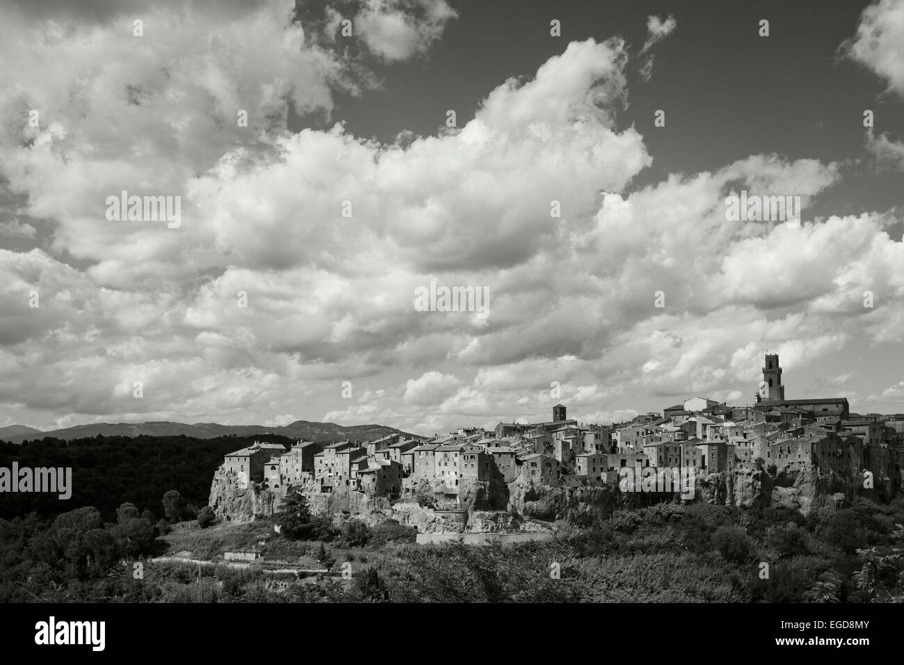 View onto Pitigliano, hill town,  province of Grosseto, Tuscany, Italy, Europe - Stock Image