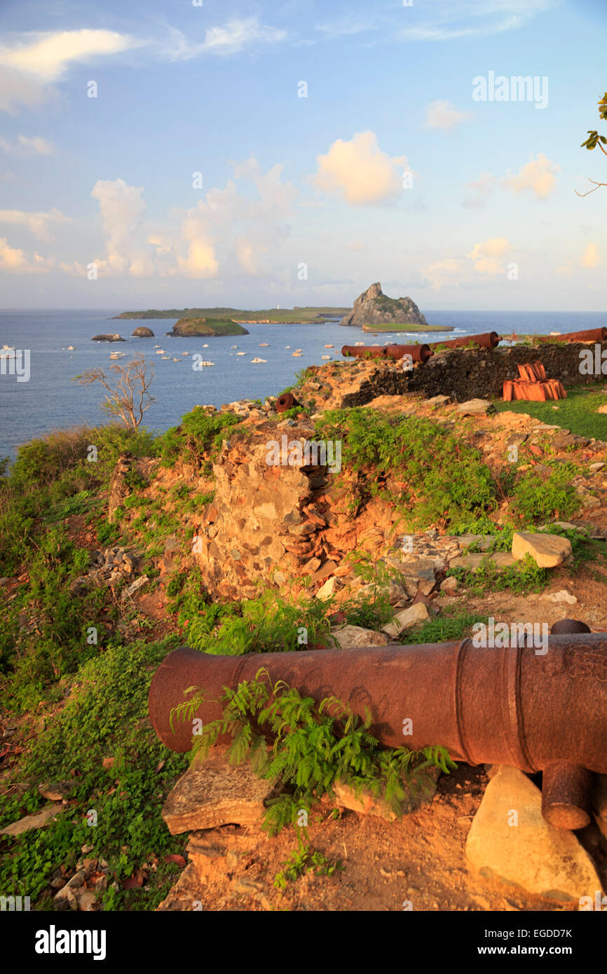 Brazil, Fernando de Noronha, Ruins of the historic Fortress Forte dos Remedios - Stock Image