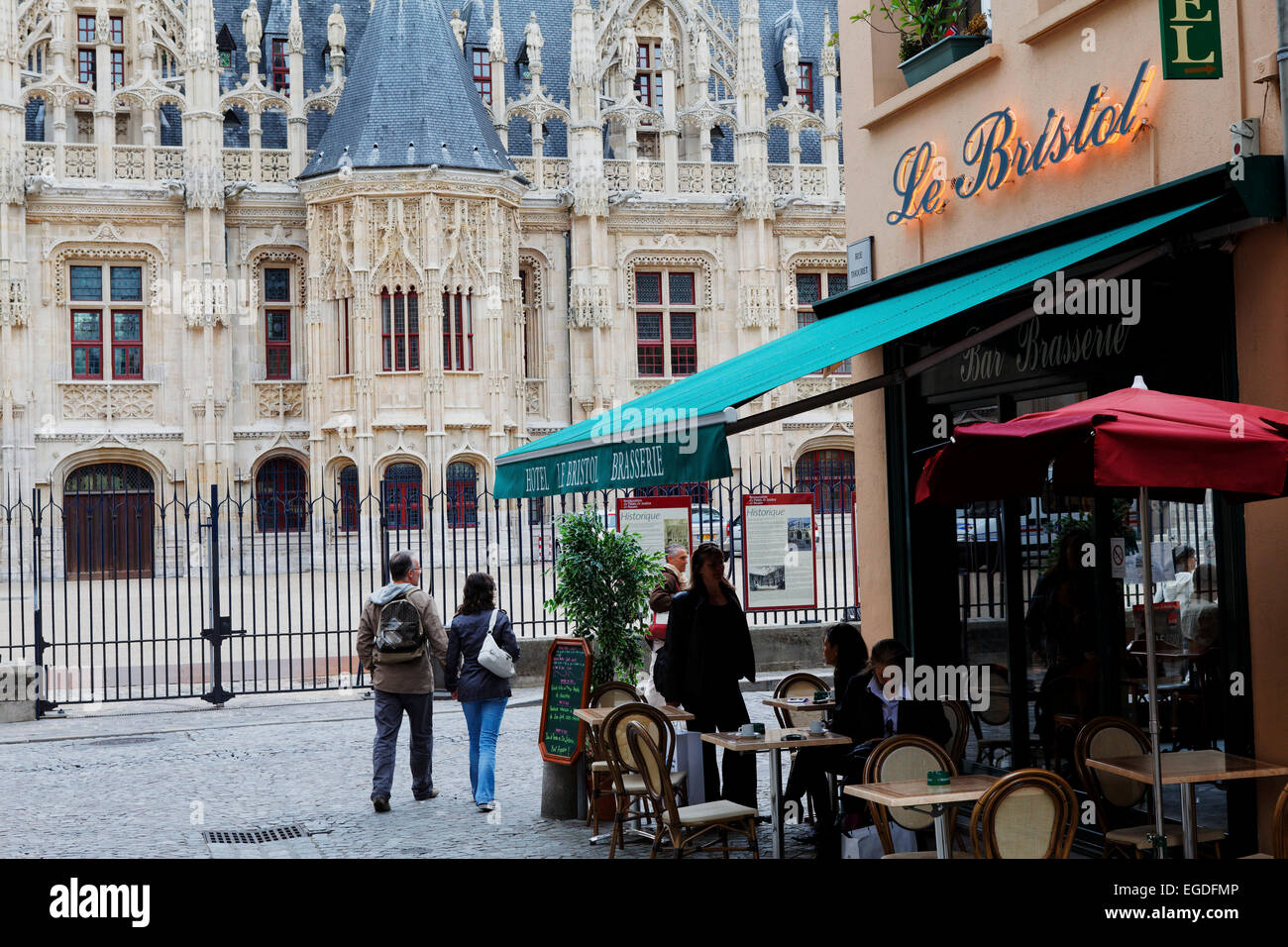 Hotel and Bistro Le Bristol and the Palais de Justice, Rouen, Seine-Maritime, Normandy, France - Stock Image