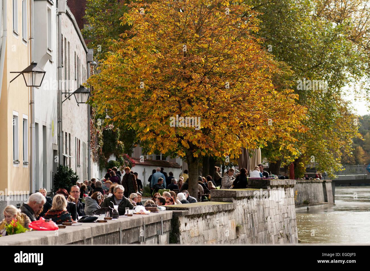 Cafe on the banks of the river Lech, Landsberg am Lech, Upper Bavaria, Bavaria, Germany - Stock Image