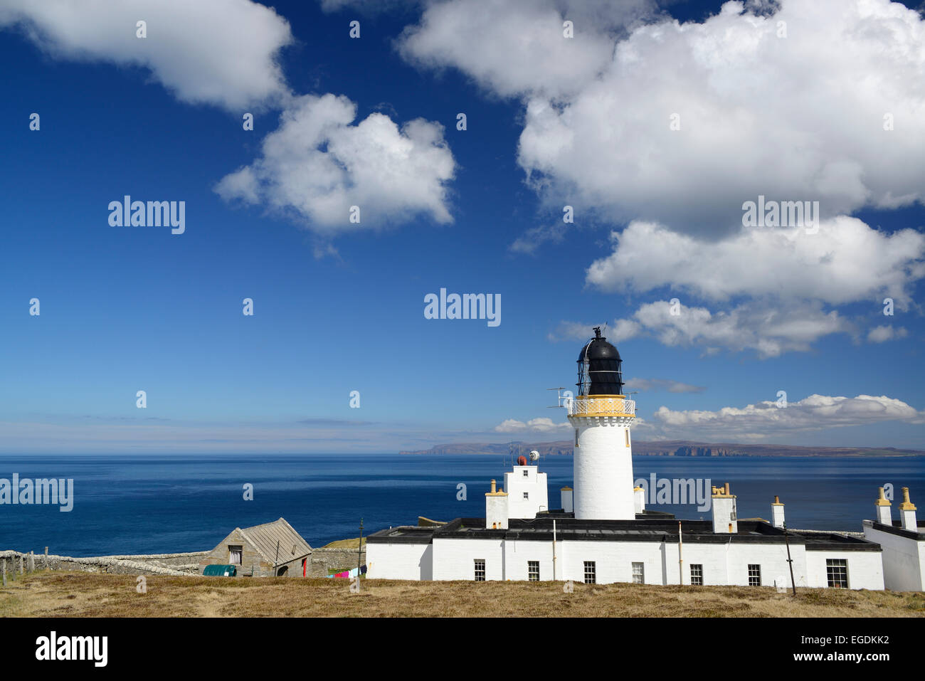 Lighthouse at Dunnet Head with view to Orkney Islands, Dunnet Head, Highland, Scotland, Great Britain, United Kingdom - Stock Image