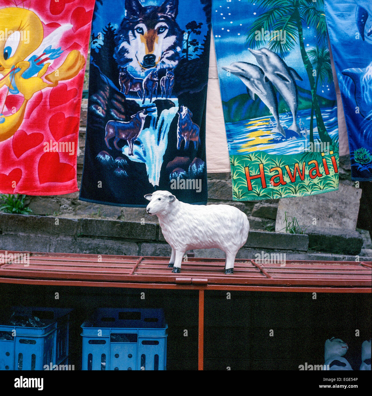 street selling things, towels, sheep - Stock Image