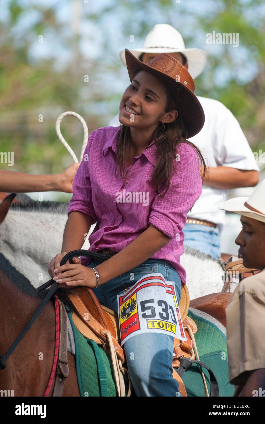 Costa Rica. Town of Liberia, horse parade called tope, portrait of an happy young girl  // Costa Rica. ville de - Stock Image