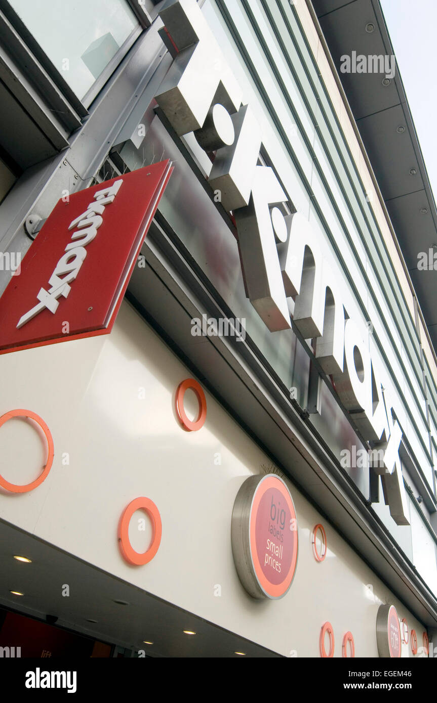 tk maxx maxt k shops shop uk retail retailers retailer manchester high street streets highstreet higstreets - Stock Image