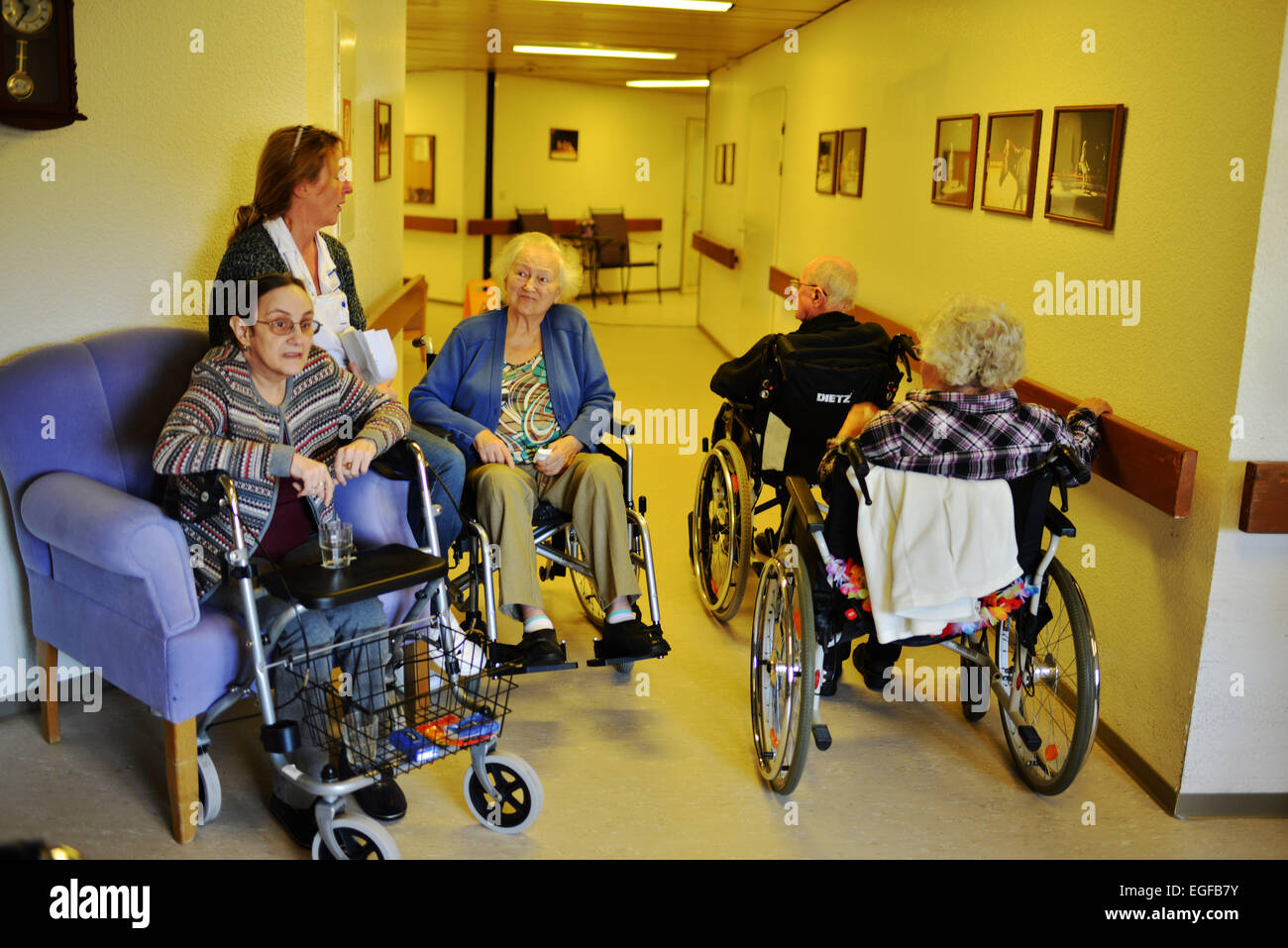 Exemplary care in retirement homes, such as in the senior centre of the Arbeiterwohlfahrt (AWO), cannot be found Stock Photo