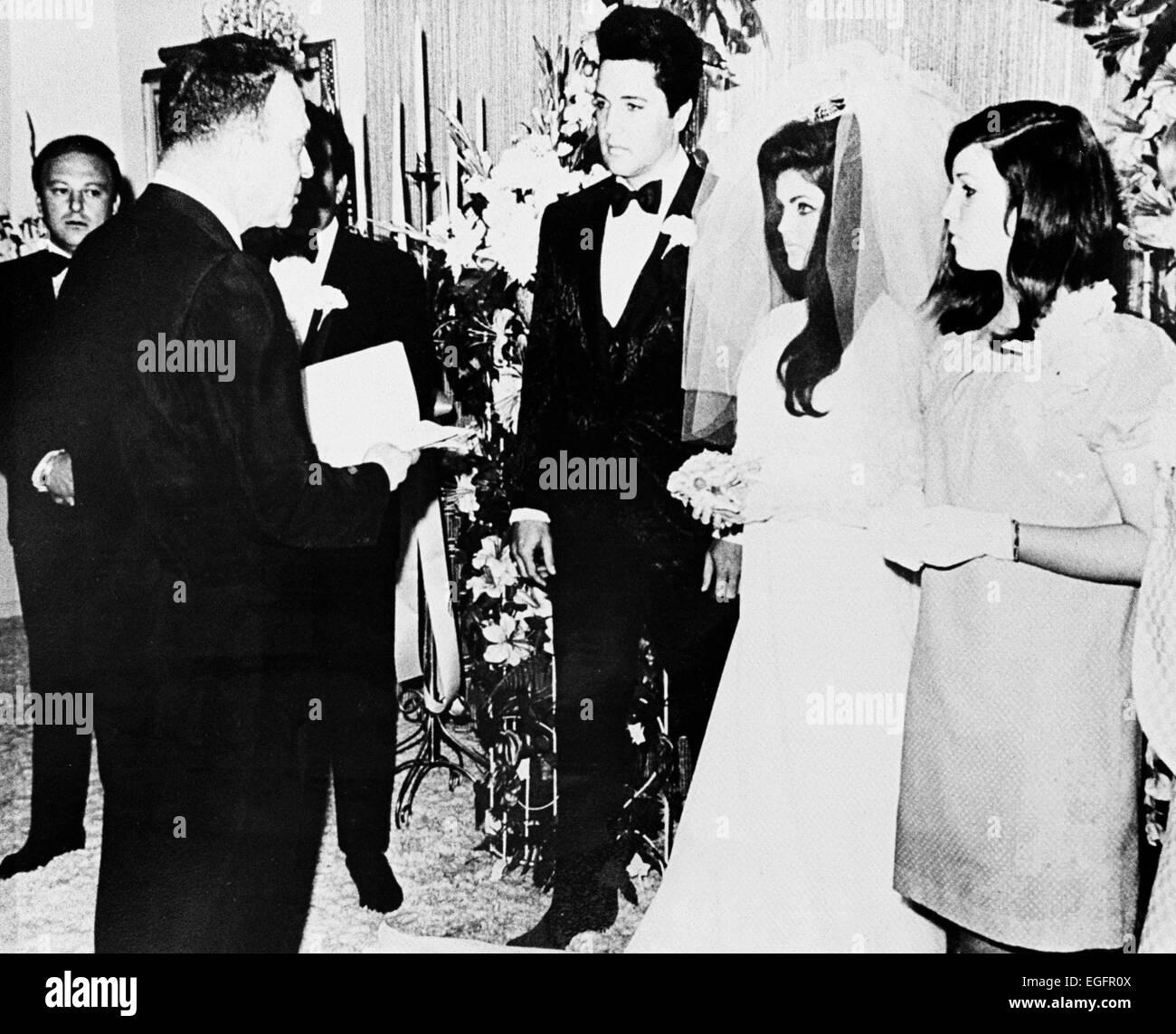 LAS VEGAS, NV - NOVEMBER 10 – Elvis and Priscilla Presley