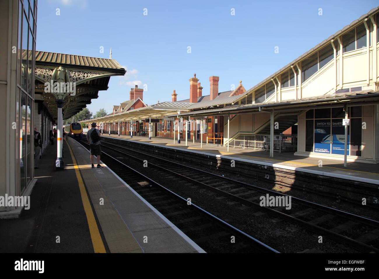 Kettering railway station - Stock Image