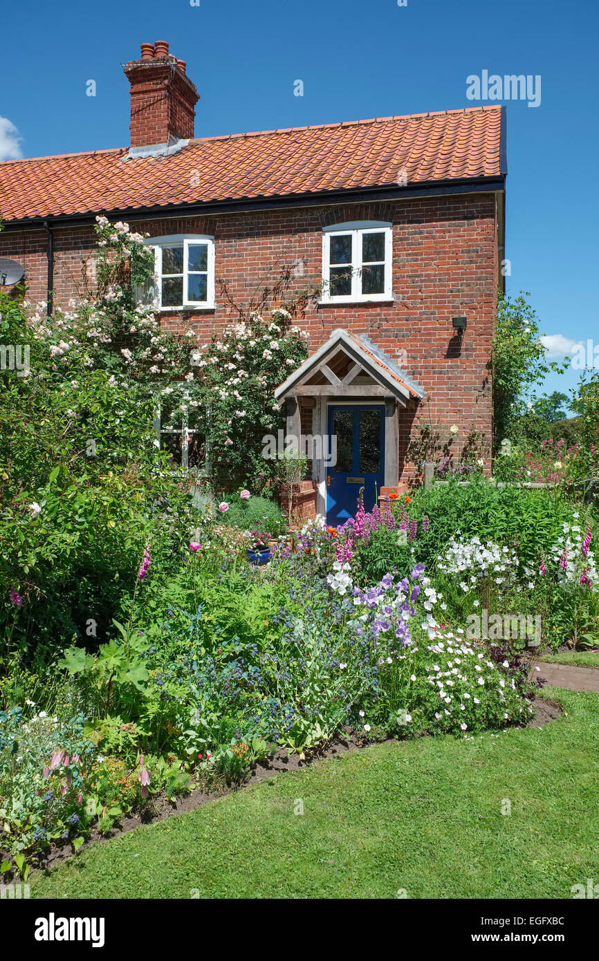 English Country Cottage Garden - Stock Image