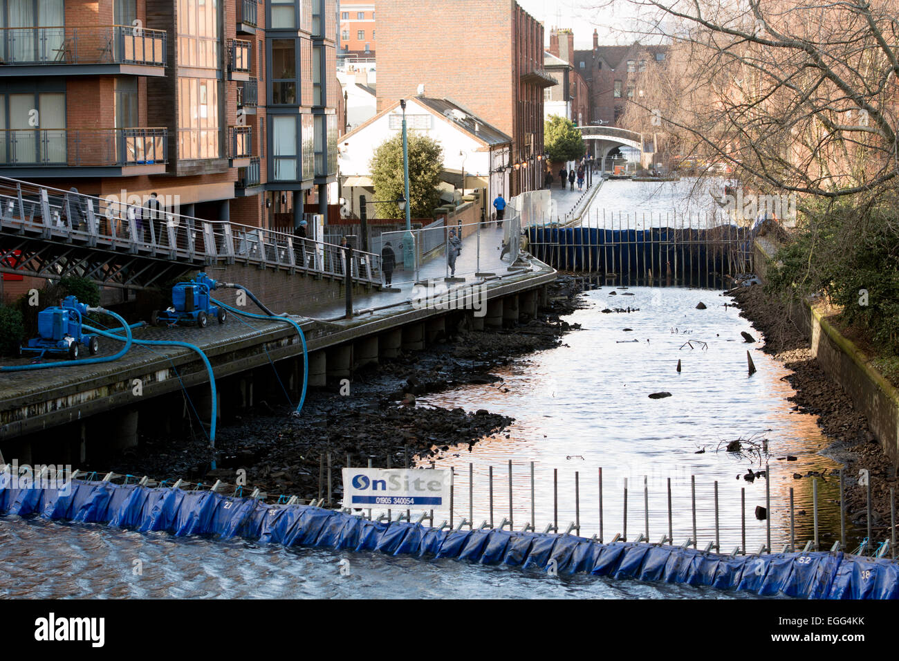 Birmingham, West Midlands, UK. 24th February, 2015. A 200m stretch of the Worcestershire and Birmingham Canal near - Stock Image