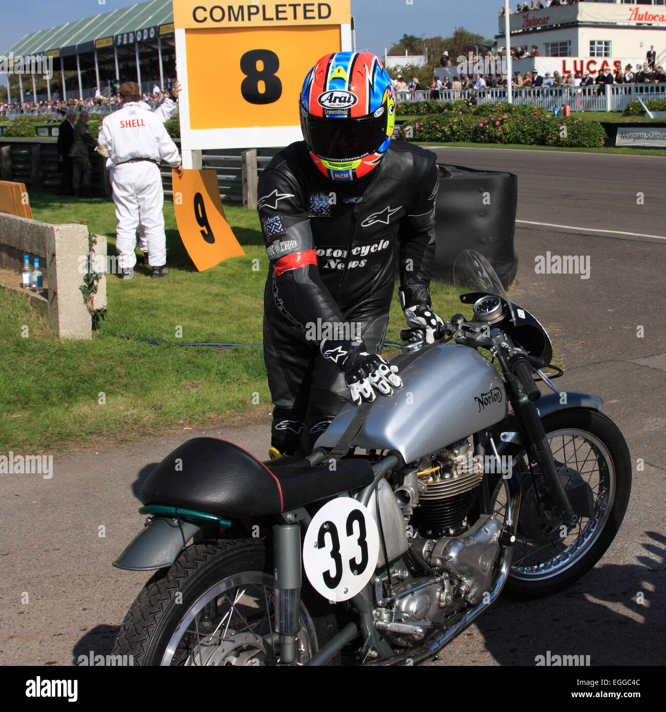 Michael Neeves parks his 1953 Norton Dominator 8 minutes into Race 1 of the Barry Sheene Memorial Trophy / Goodwood - Stock Image