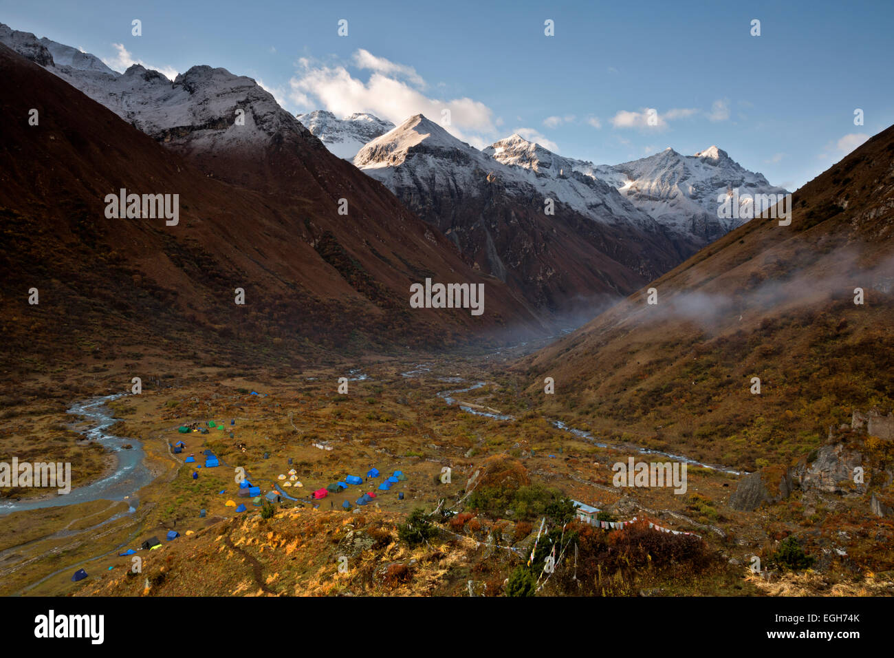 BU00210-00...BHUTAN - Early morning view south over the upper Paro River Valley from overlook above the Jangothang - Stock Image