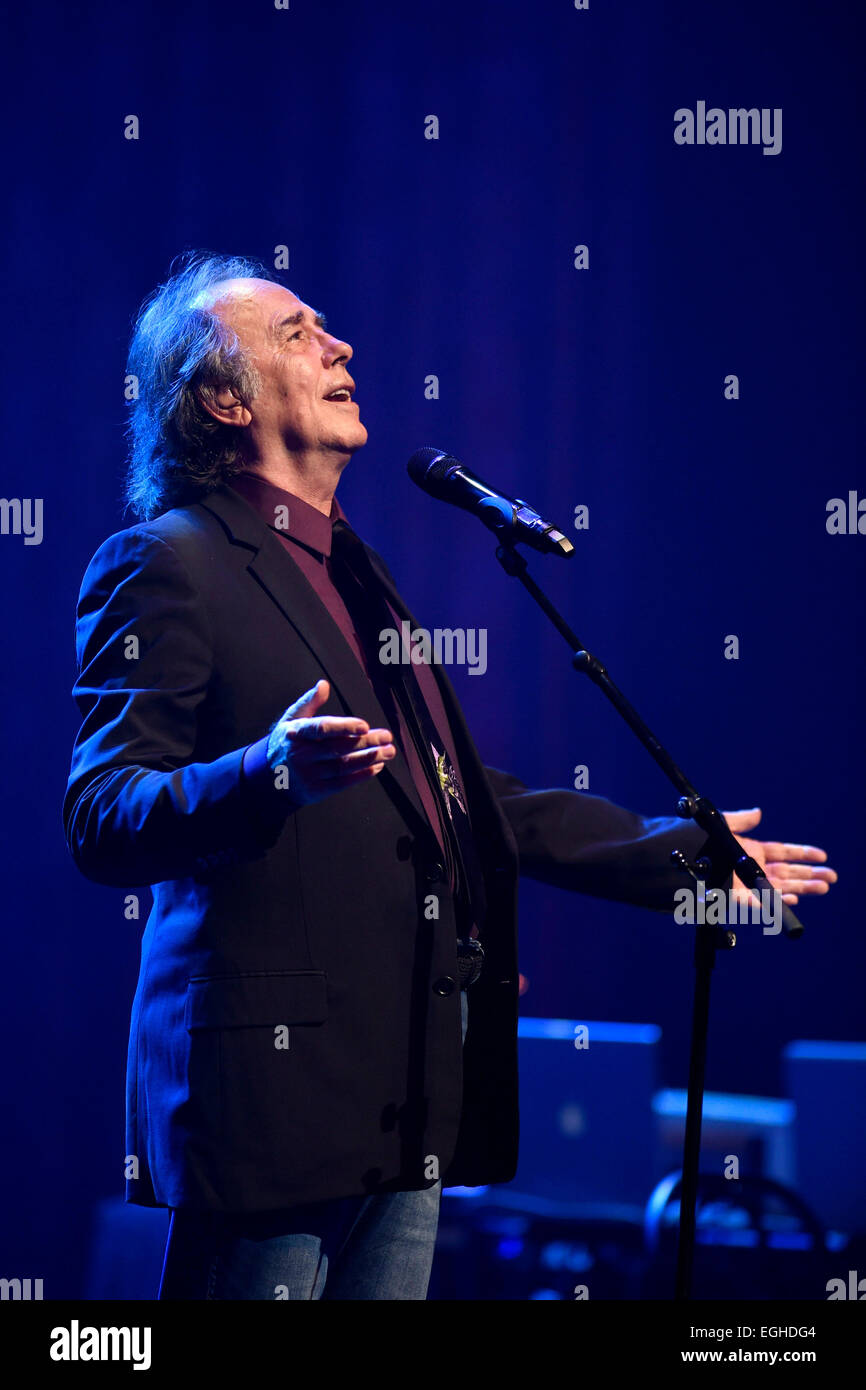 Montevideo, Urugay. 24th Feb, 2015. Spanish singer Joan Manuel Serrat performs during a concert of his world tour - Stock Image