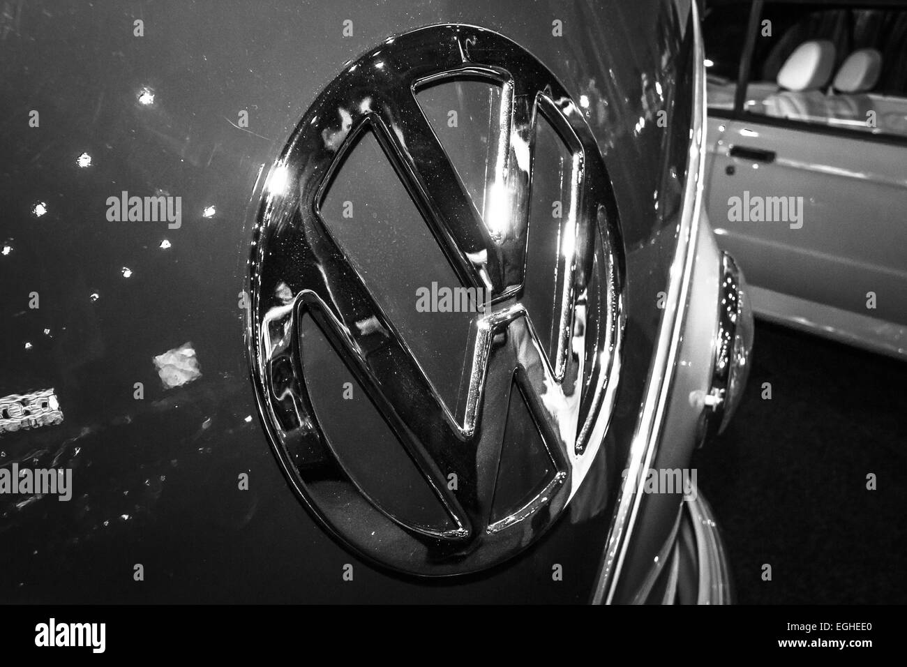 Hood ornament of a minibus Volkswagen T1 (Samba) - Stock Image
